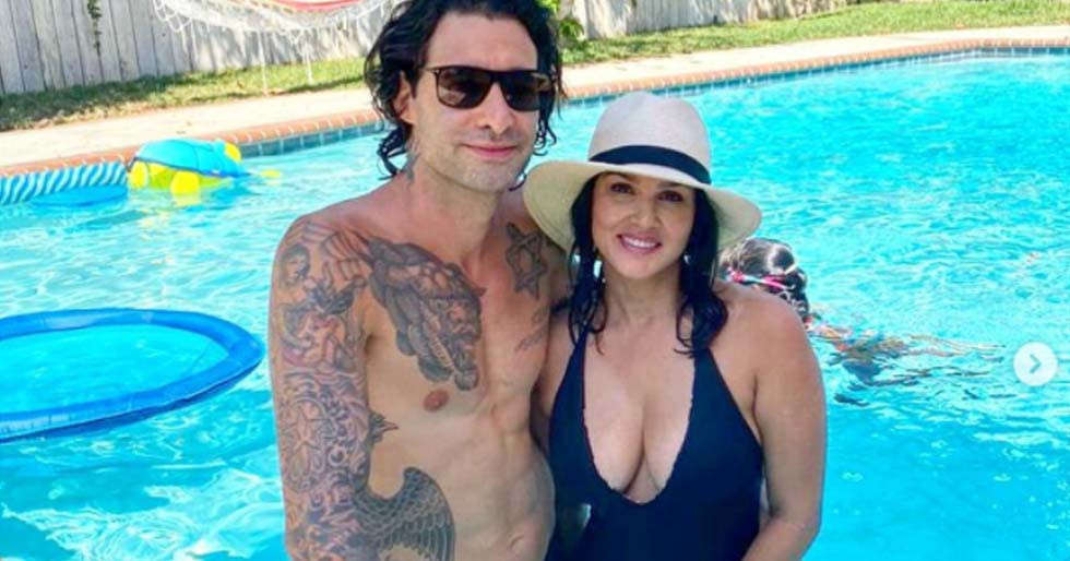Watch: Daniel Weber has the best gift for Sunny Leone