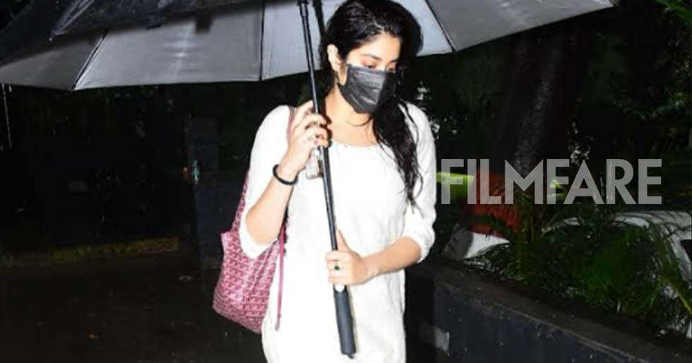 Janhvi Kapoor clicked outside her gym amidst heavy rains