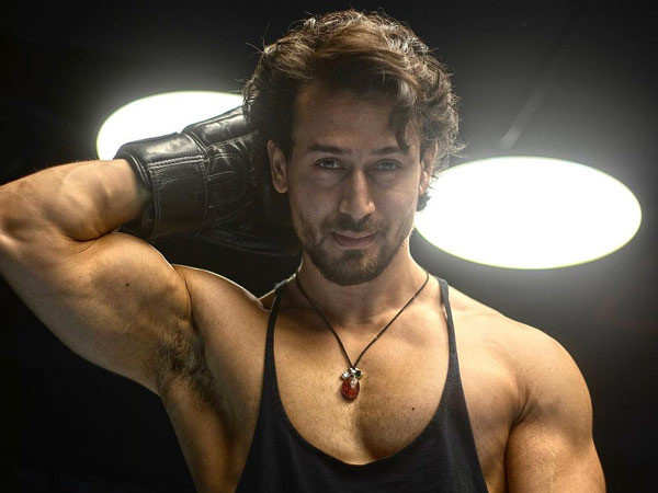 Troll asks Tiger Shroff if he's a virgin, here's what he replied