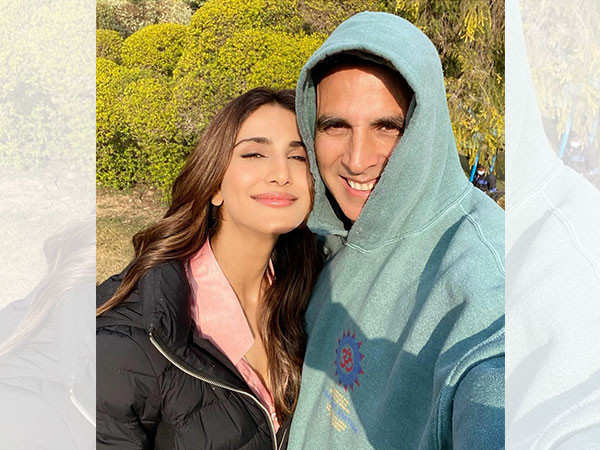 Vaani Kapoor's Father Was Happy To Know That She Is Working With Akshay Kumar