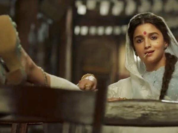 Akshay Kumar, Priyanka Chopra Jonas Mighty Impressed With Alia Bhatt's Gangubai Kathiawadi Teaser