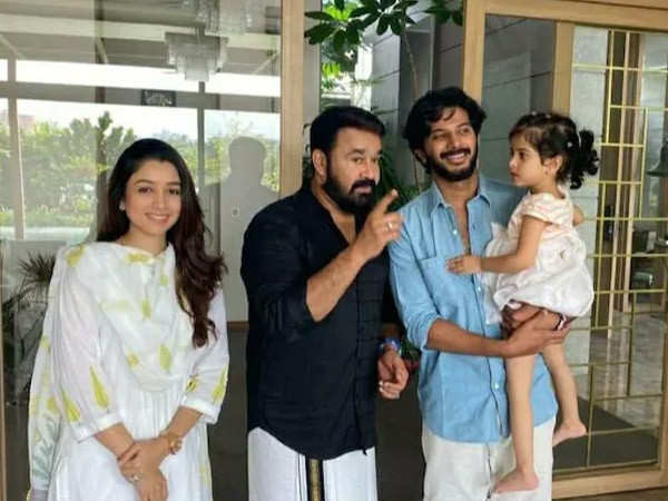 Mohanlal gets clicked with Dulquer Salmaan and his family