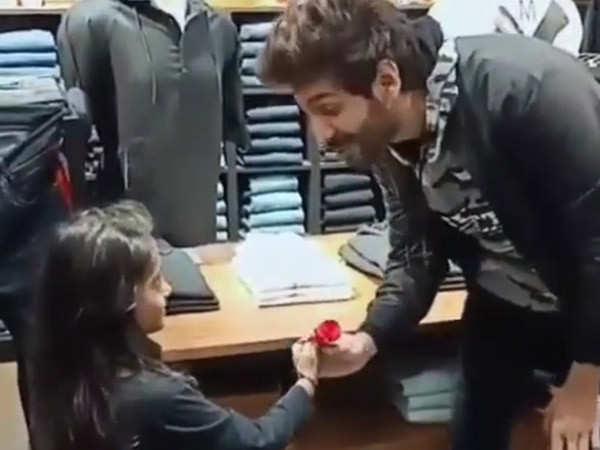 Kartik Aaryan Shares An Adorable Video On Rose Day