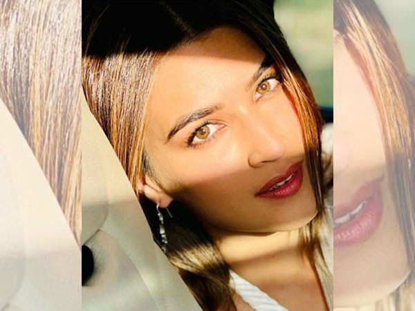 Akshay Kumar turns photographer for Kriti Sanon