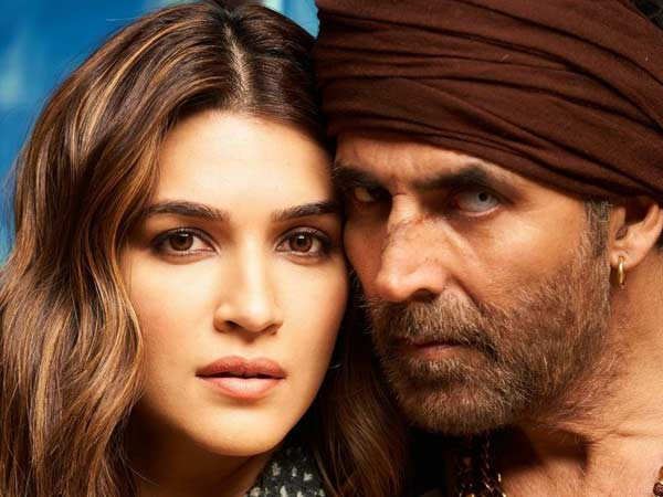 Kriti Sanon wraps up Bachchan Pandey schedule with Akshay Kumar