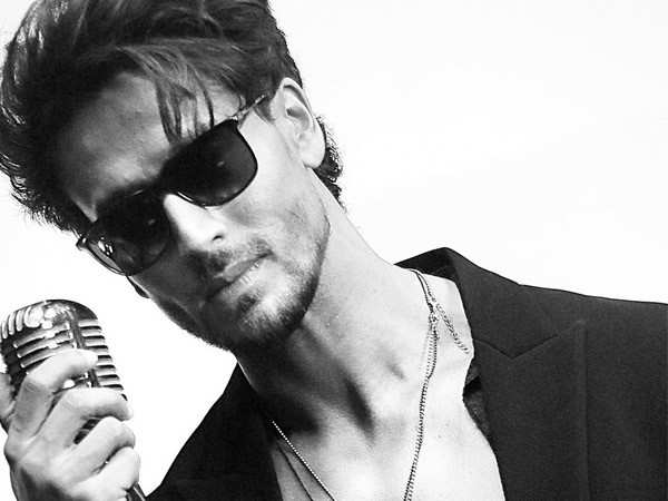 Tiger Shroff comes up with an acoustic version of Casanova