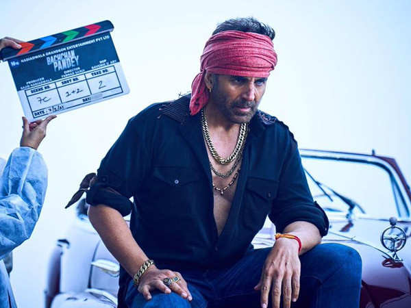 Akshay Kumar starts shooting for Bachchan Pandey and shares a glimpse from it