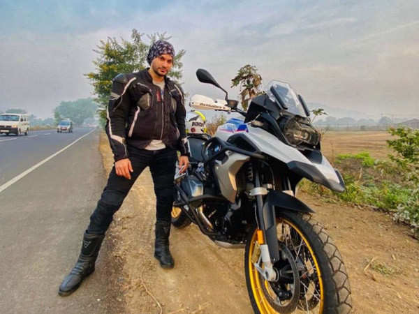 Throwback to when Kunal Kemmu took his family for a bike ride