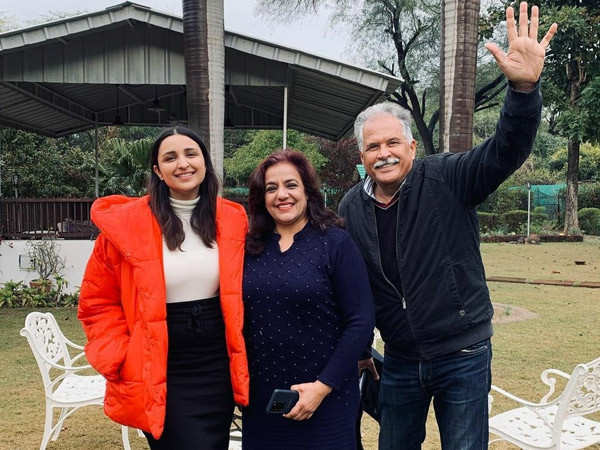 Parineeti Chopra Shares a Family Click From Ambala and Calls Them Her Producers