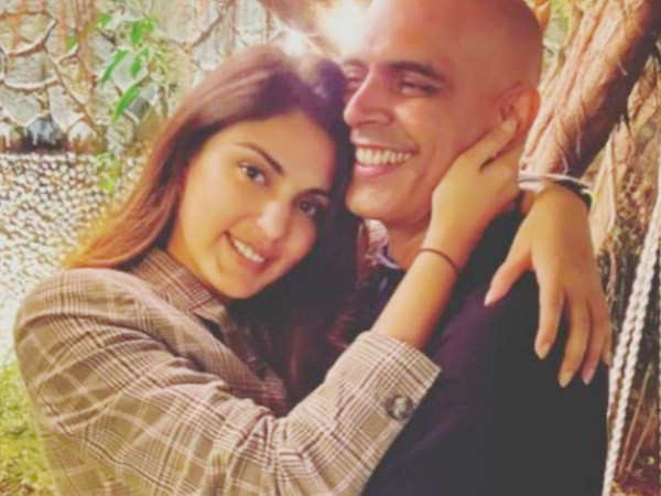 Photos: Rhea Chakraborty spends some time with friends