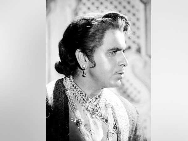Bollywood Mourns Legendary Actor Dilip Kumar's Death