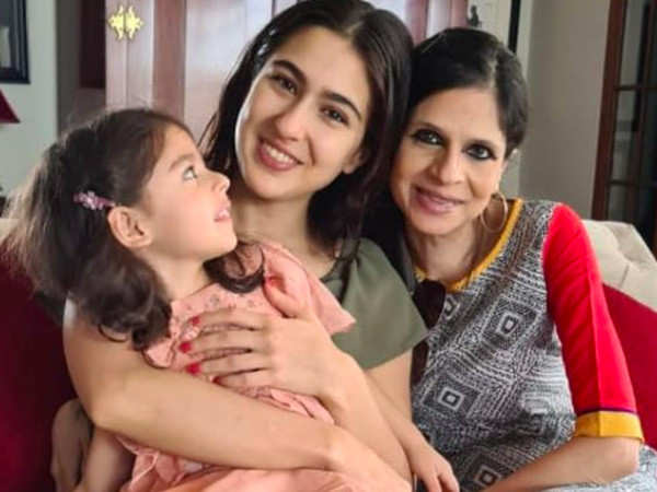 Aunt Saba Ali Khan upset with a fanpage over Sara Ali Khan's baby picture