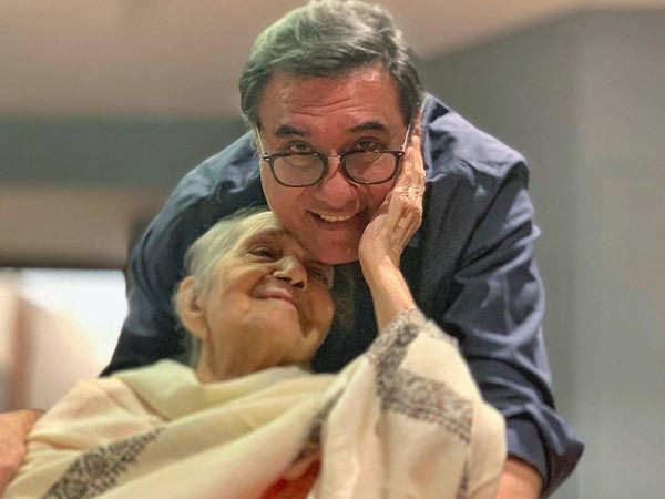 Boman Irani's mother Jerbano Irani passes away at 94
