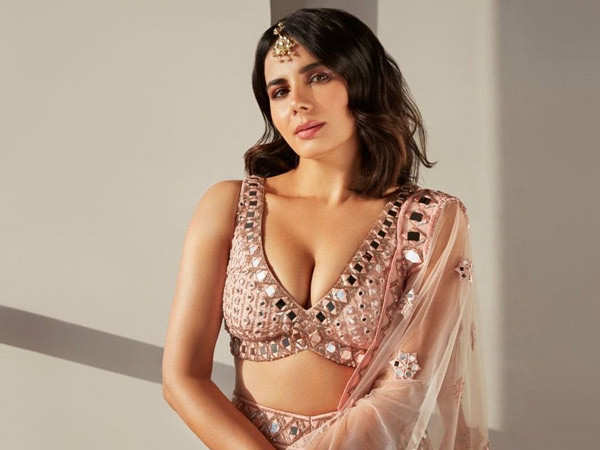 Marriage, as a concept, is overrated - Kirti Kulhari