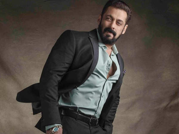 Salman Khan talks about acknowledging mistakes during a live chat with Kabir Bedi