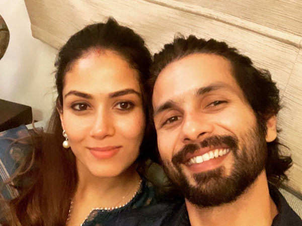 Shahid Kapoor is a carrom champ, leaves Mira Rajput and Ishaan Khatter in awe