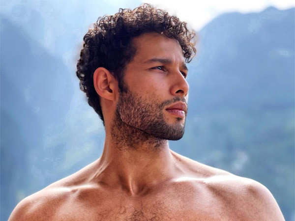 Siddhant Chaturvedi's sexy workout click will leave you inspired