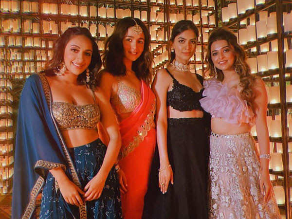 Alia Bhatt's clicks with friends from a wedding in Jaipur is all heart