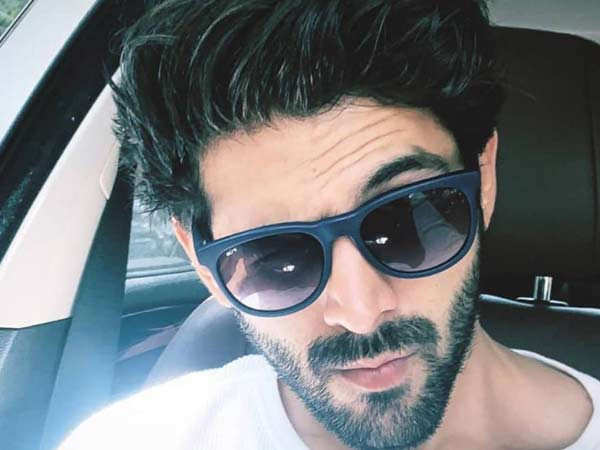 Kartik Aaryan Has A Sexy Way To Wish Good Morning To Netizens On Social Media