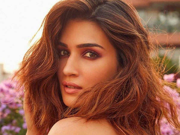 Here's what Kriti Sanon has to say about her new co-star Prabhas in Adipurush