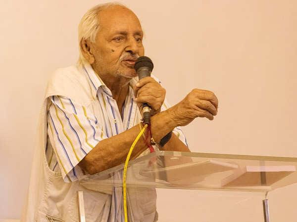 Noted writer and director Sagar Sarhadi passes away