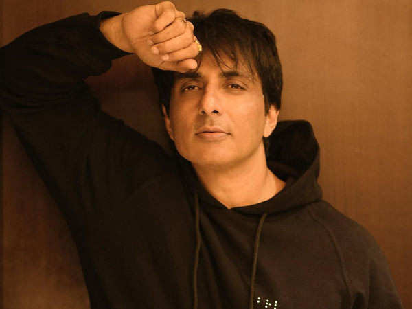 Sonu Sood has a hilarious reply to fan's odd request