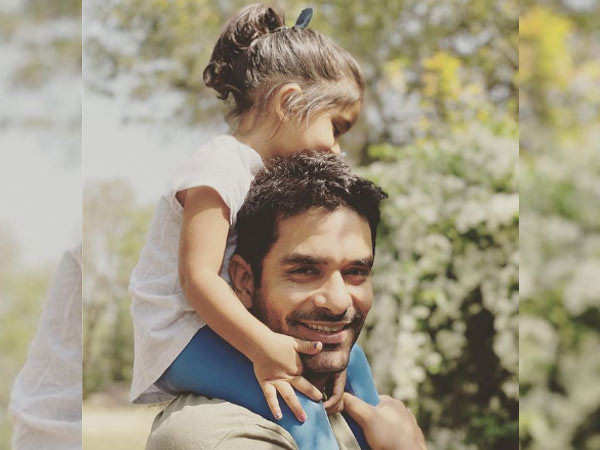 Video: Angad Bedi's daughter rushes to meet him after he tests COVID negative
