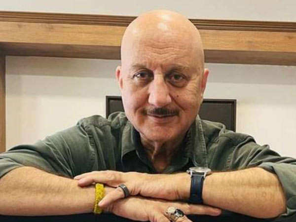 Here's How Anupam Kher Is Coming Forward To Help Patients Affected By COVID