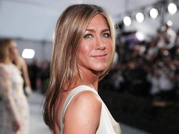 Jennifer Aniston gets fully vaccinated and asks people to donate to India's vaccination drive