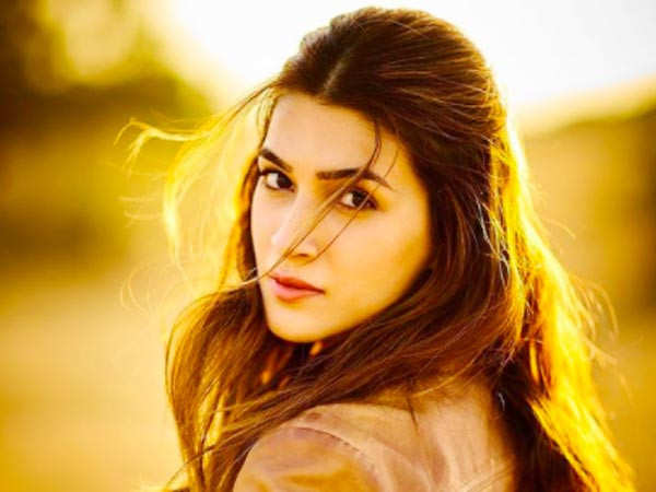 Kriti Sanon Gets Emotional As She Shares Her Thoughts On The COVID Crisis
