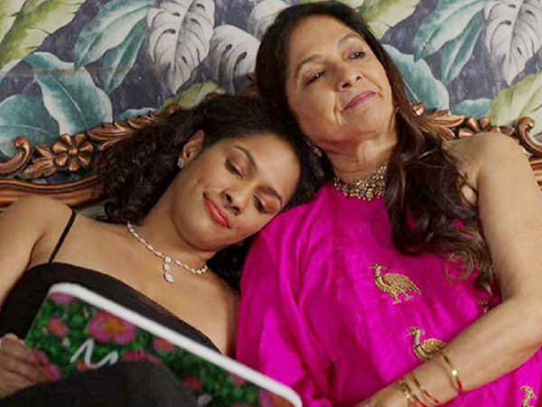 Neena Gupta writes about how she could only afford a natural birth when Masaba was born