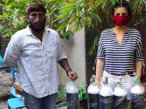 Raveena Tandon arranges 100 oxygen cylinders for patients in Delhi