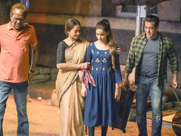 Details of the deleted scene featuring Salman Khan and his family in Radhe