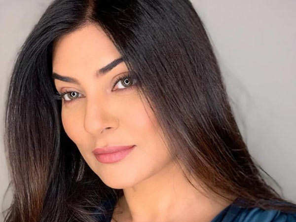 Sushmita Sen receives a pleasant surprise from a well wisher