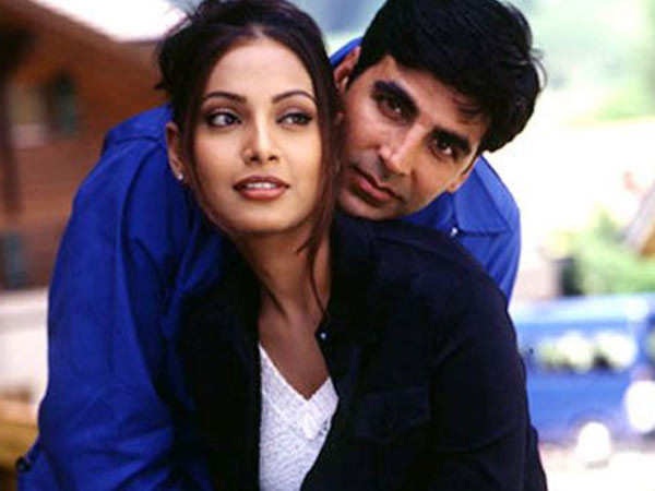 Bipasha Basu gets emotional as Ajnabee completes 20 years since its release