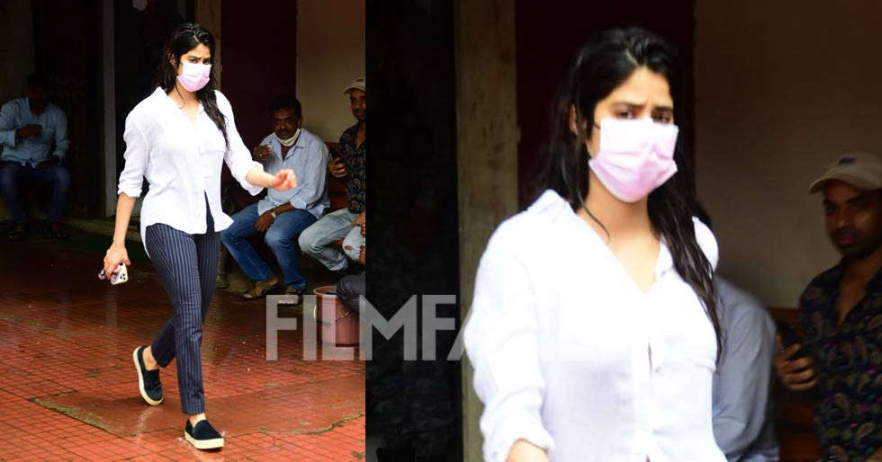 Janhvi Kapoor's gym outfit is simple and classic