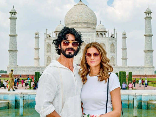 Here's how Vidyut Jammwal proposed to Nandita Mahtani in Agra