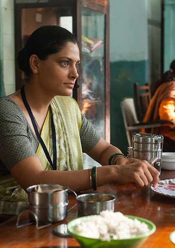 Saiyami Kher (Choked - Paisa Bolta Hai)