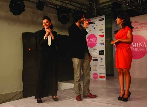Shibani Dandekar & Ali Fazal interacting with the audiance