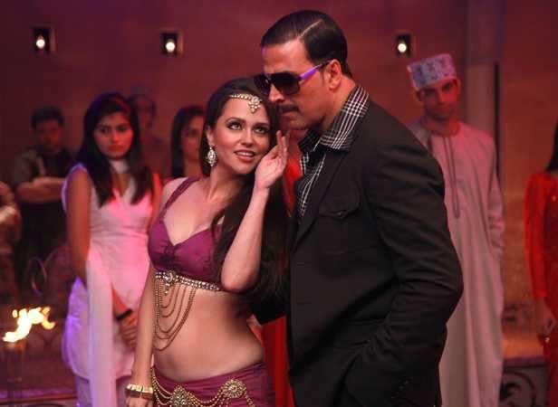 Seduction: Hazel Keech and Akshay Kumar