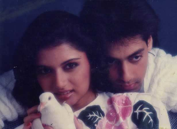 Maine Pyar Kiya was the biggest hit of 1989 and the biggest hit of the 1980s, receiving an All-time Blockbuster status at the Box Office