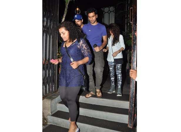 Sidharth Malhotra with friends