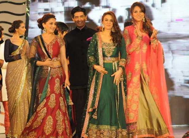 Madhuri Dixit Nene, Manish Malhotra, Malaika Arora Khan and Lara Dutta
