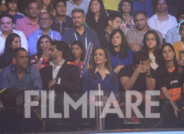 Mahendra Singh Dhoni, Abhishek Bachchan, Nita Ambani, Saif Ali Khan and Katrina Kaif