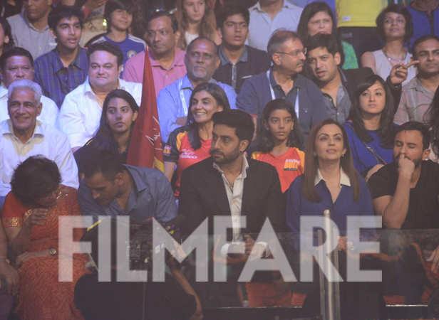 Mahendra Singh Dhoni, Abhishek Bachchan, Nita Ambani and Saif Ali Khan