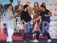 Nana Patekar, Anil Kapoor and John Abraham shake a leg