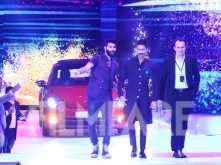Shahid Kapoor sizzles on the ramp