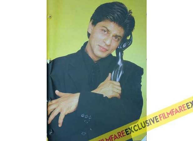 Shah Rukh Khan wins Best Actor for Kuch Kuch Hota Hai