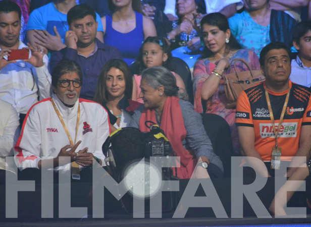 Amitabh Bachchan, Shweta Nanda, Jaya Bachchan, Ronnie Screwvala