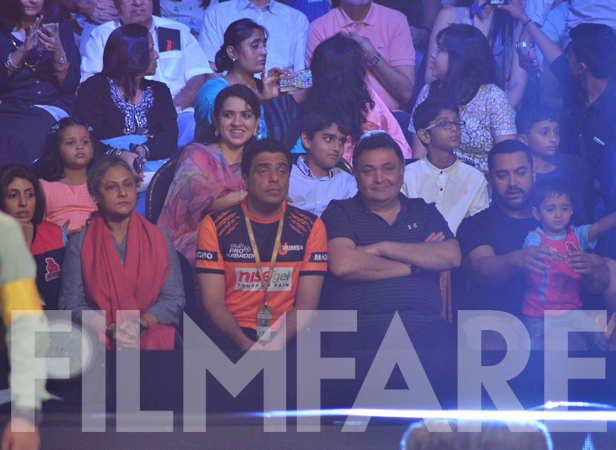 Shweta Nanda, Jaya Bachchan, Ronnie Screwvala, Rishi Kapoor, Aamir and Azad Khan